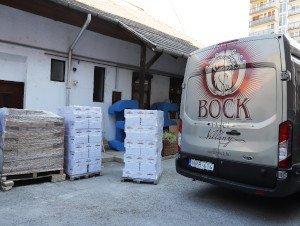 (HU) A Bock Borászat nyolcmillió forint értékű adománnyal segíti az idősotthonok lakóit